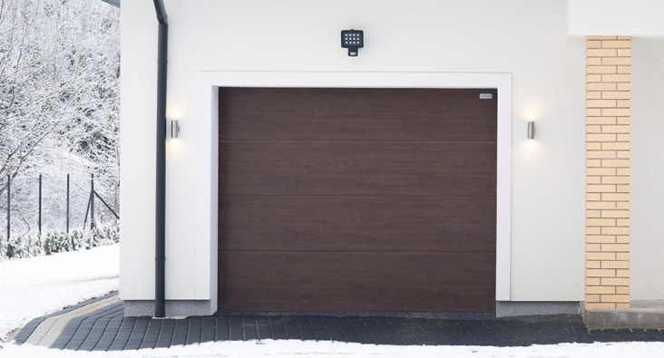 секционные гаражные ворота алютех классик, цвет RAL 8017